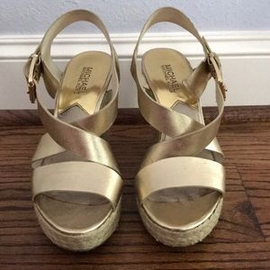 Michael Kors champagne gold wedges